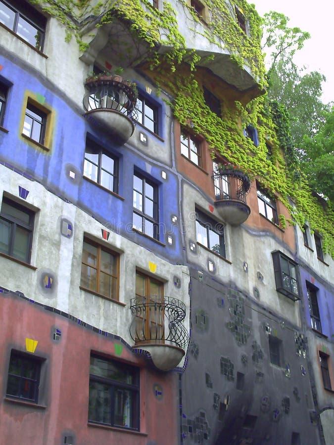 Casa di Hundertwasser a Vienna Austria fotografie stock