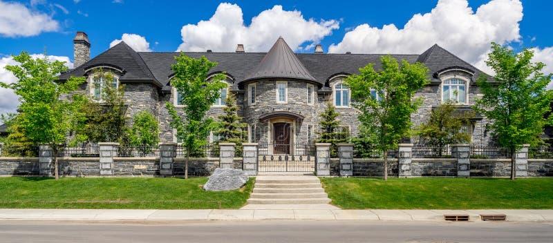Casa di lusso a Calgary, Canada immagini stock libere da diritti