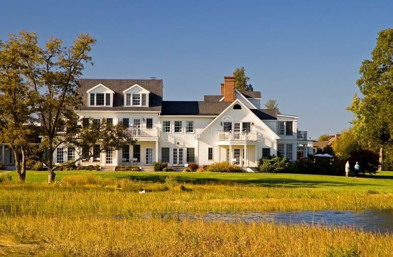 Casa di lusso sulla baia di Chesapeake fotografia stock libera da diritti