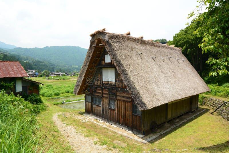 Casa di stile di Gassho-zukuri Il villaggio storico di Shirakawa-va Prefettura di Gifu Chubu japan fotografia stock libera da diritti