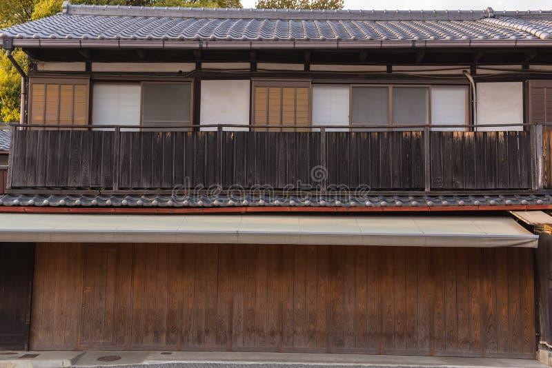 Casa stile giapponese arredo terrazzo fai da te arredamento zen fai da te arredamento in stile - Porte scorrevoli stile giapponese ...