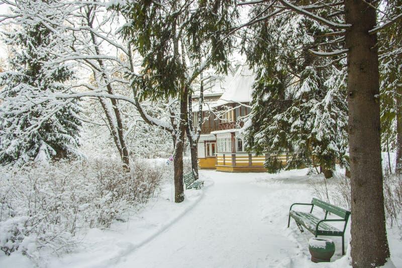 A casa do artista Ilya Repin do russo imagens de stock royalty free