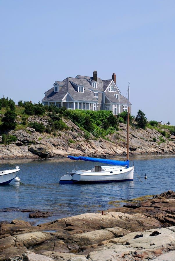 Casa do beira-rio de Nova Inglaterra fotografia de stock