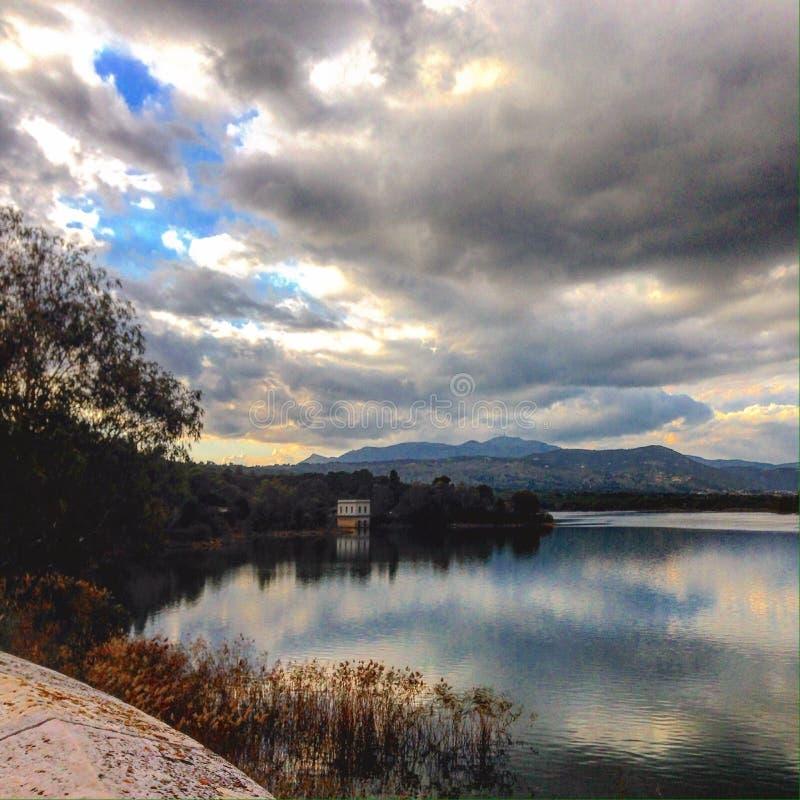 Casa do lago foto de stock