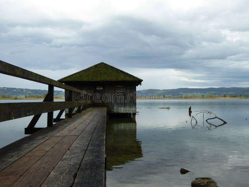 A casa do lago fotos de stock
