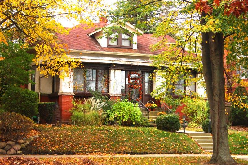 Casa do outono foto de stock royalty free
