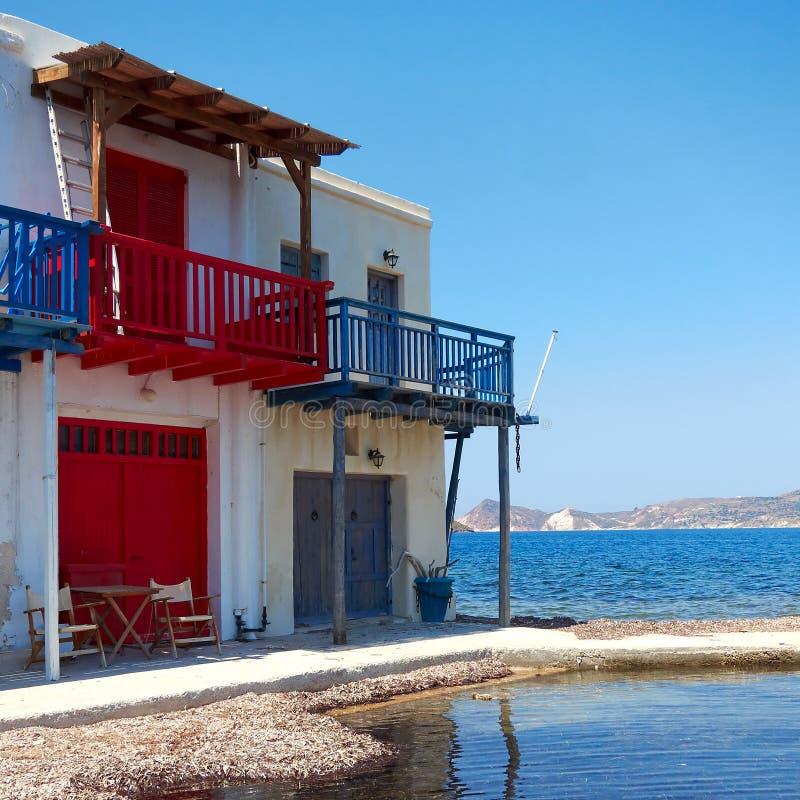 Casa do pescador pelo mar foto de stock