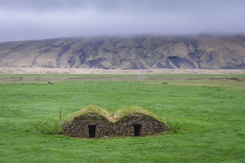 Casa do relvado de Keldur em Islândia foto de stock royalty free
