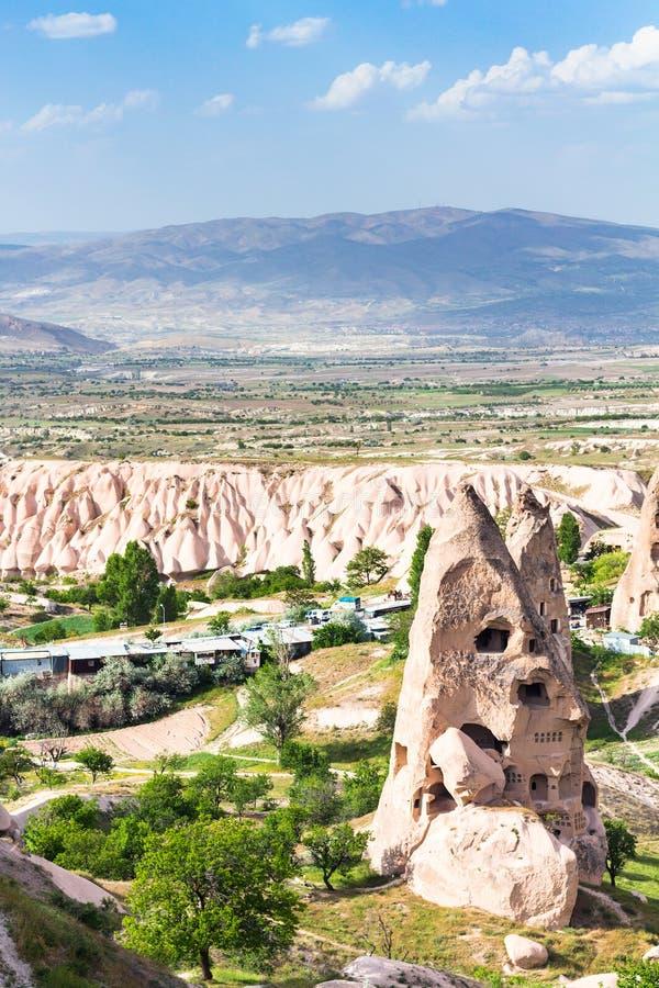 casa do rocha-corte na cidade de Uchisar em Cappadocia imagem de stock