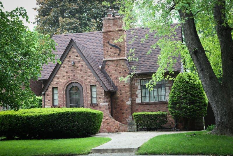 Casa do tijolo vermelho fotos de stock royalty free