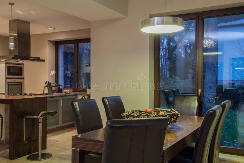 Casa do travertino - sala dinning fotografia de stock
