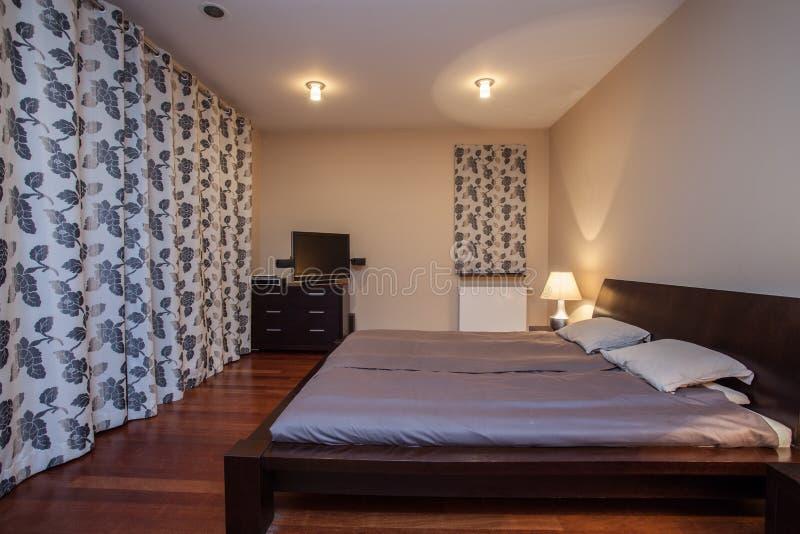 Casa do travertino - quarto luxuoso fotografia de stock