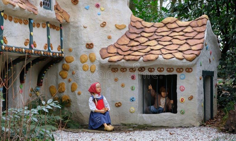 A casa doce do conto de fadas Hansel e Gretel no parque tem?tico Efteling Mola imagem de stock