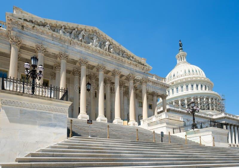 A casa dos E.U. de representantes no Capitólio em Washington D fotografia de stock