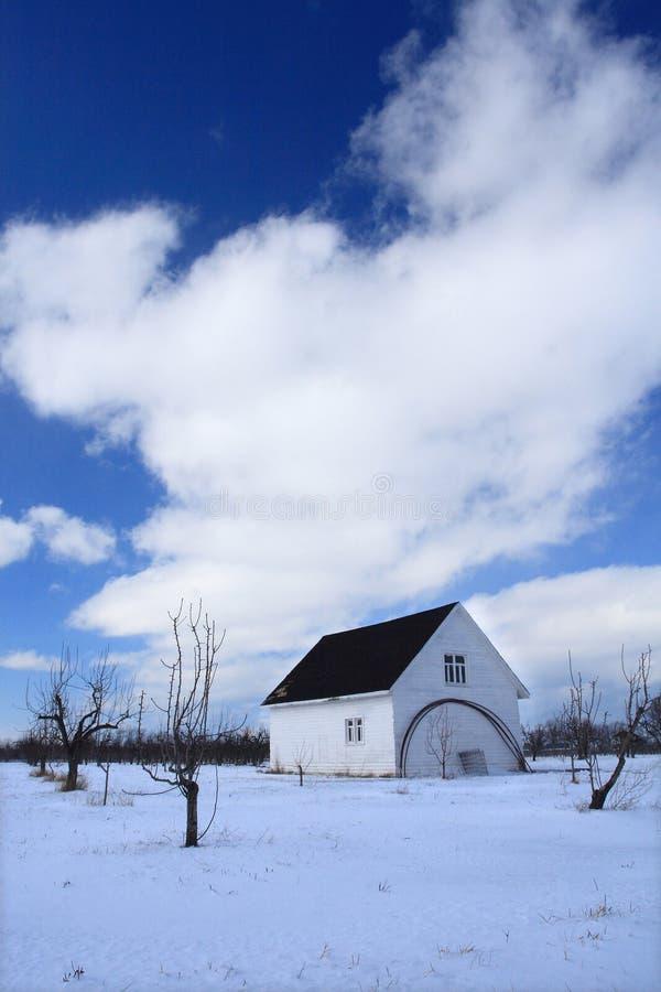 Casa e céu imagens de stock royalty free