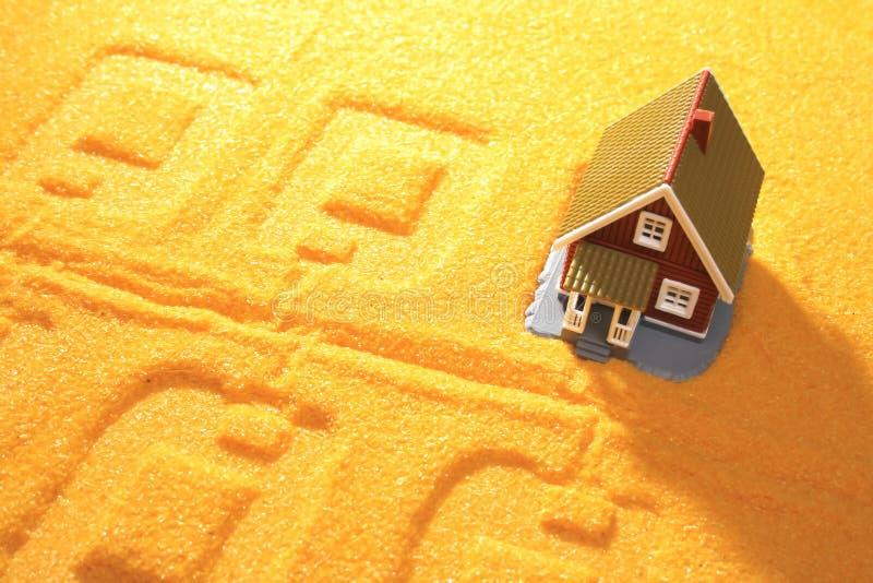 Casa e planta imagens de stock royalty free