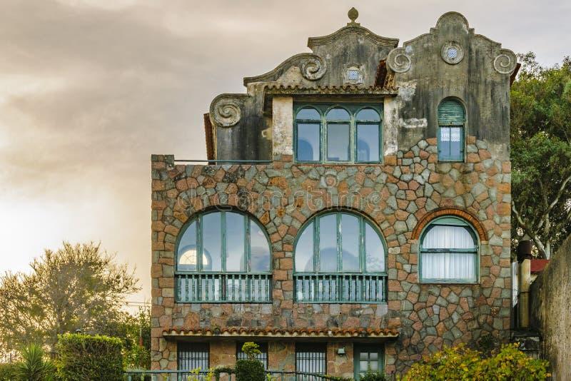 Casa ecléctica del estilo, Punta Gorda, Montevideo, Uruguay foto de archivo