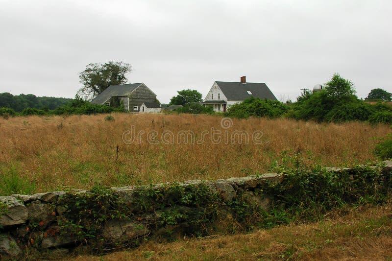 Casa ed azienda agricola abbandonate. immagini stock