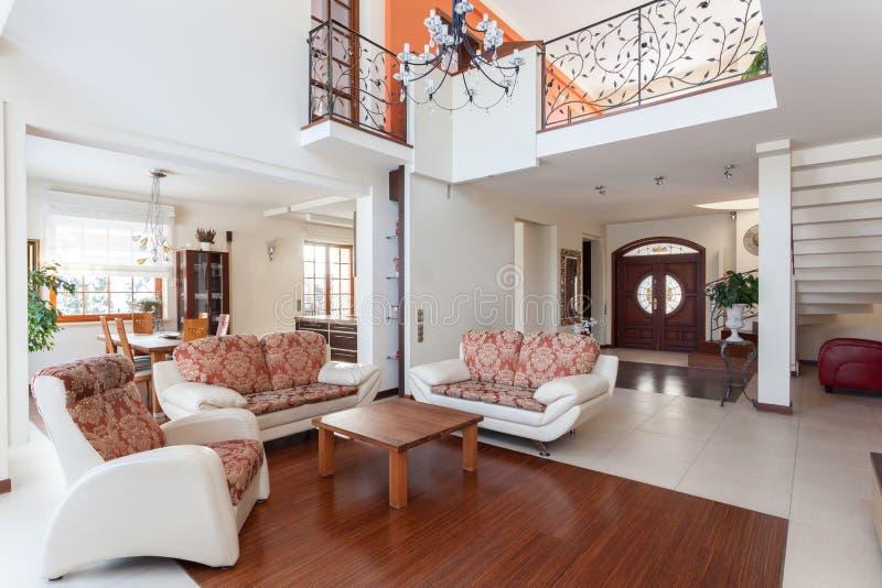 Casa elegante - mezanino imagem de stock royalty free