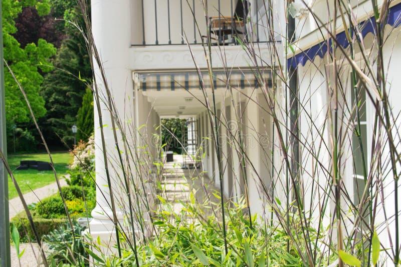 Casa em Baden-Baden no dia ensolarado do verão foto de stock royalty free