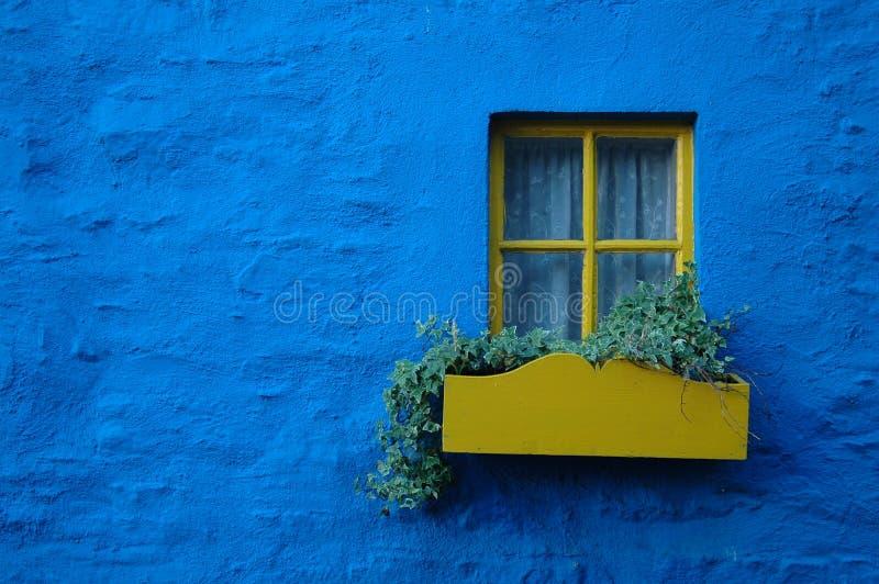 Download Casa em Kinsale, Ireland imagem de stock. Imagem de janela - 12809425