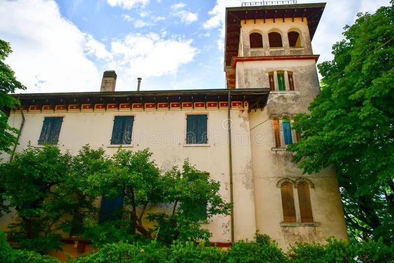 Casa em San Zeno di Montagna, Itália fotos de stock royalty free