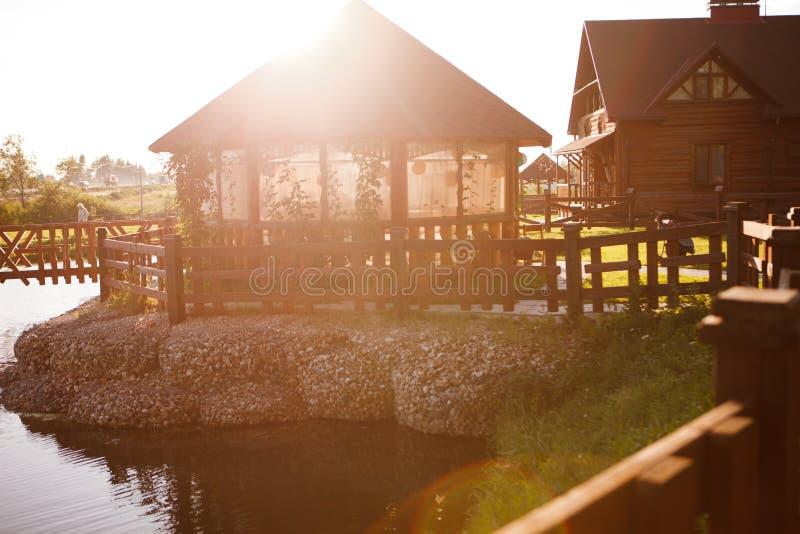 A casa em uma lagoa imagens de stock royalty free