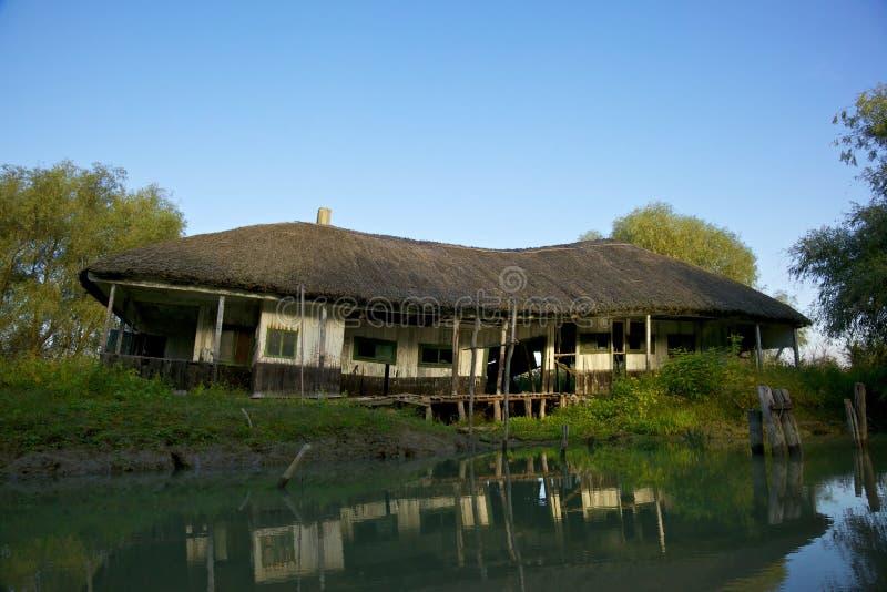 Casa en el delta de Danubio, Rumania foto de archivo libre de regalías