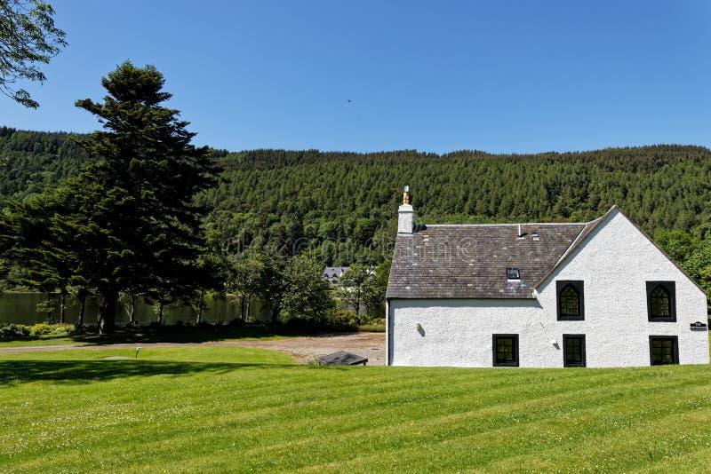 Casa en el lago Tay - Kenmore, Escocia foto de archivo libre de regalías