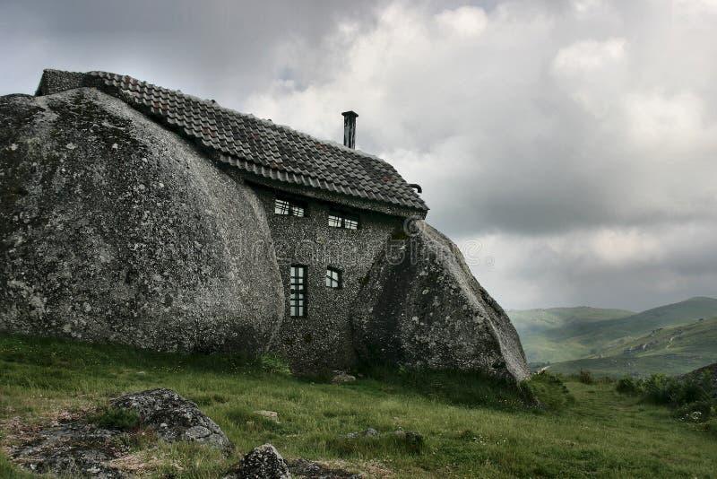 Casa en la montaña imagen de archivo