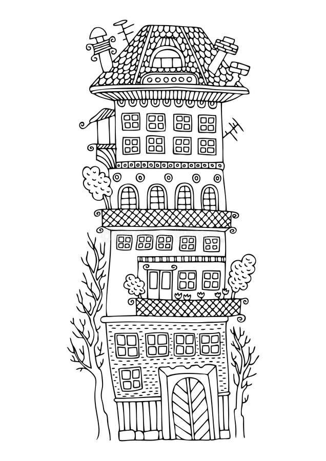 Casa feericamente alta com um terraço e as árvores fotografia de stock royalty free