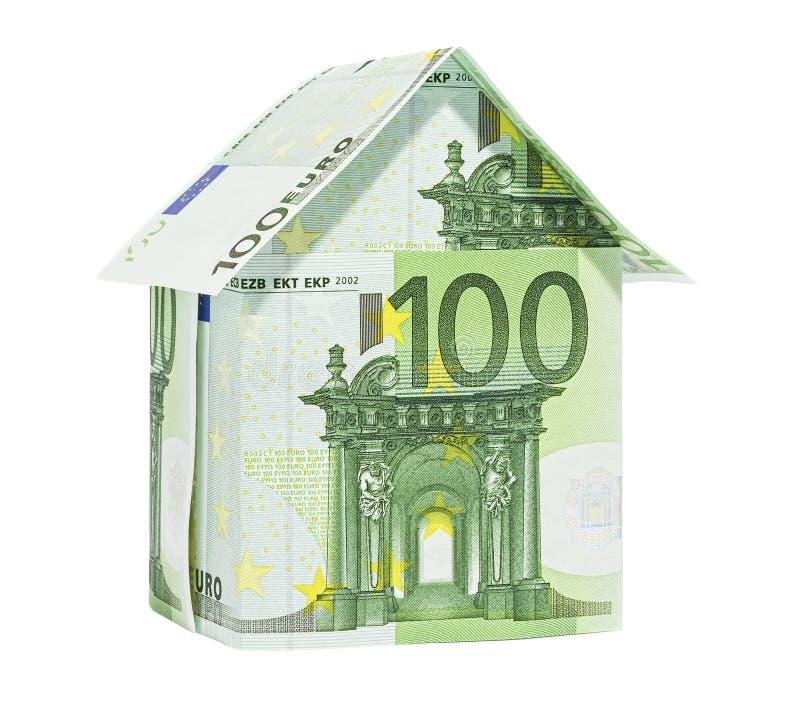 A casa feita de 100 euro- notas de banco imagem de stock