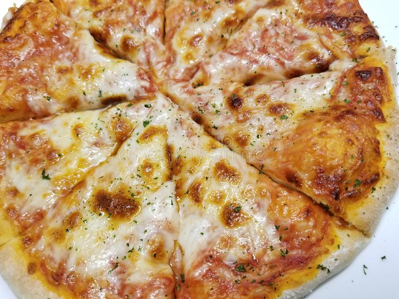 A casa fez a torta de pizza 2 imagens de stock royalty free