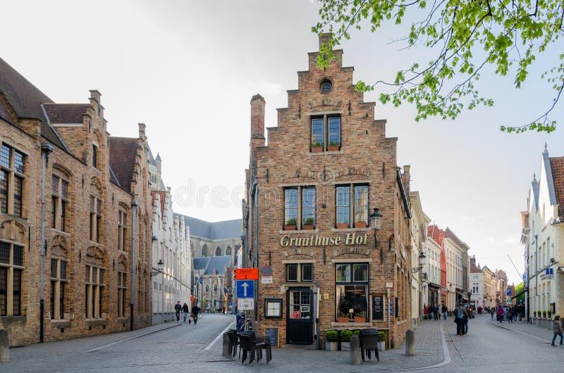 Casa flamenga típica na cidade medieval de Bruges, Bélgica foto de stock