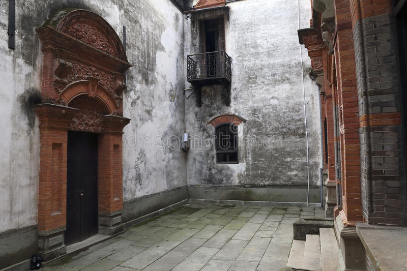 Casa francesa del estilo en la construcción de China imagenes de archivo