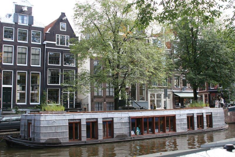 Casa galleggiante fotografia stock libera da diritti