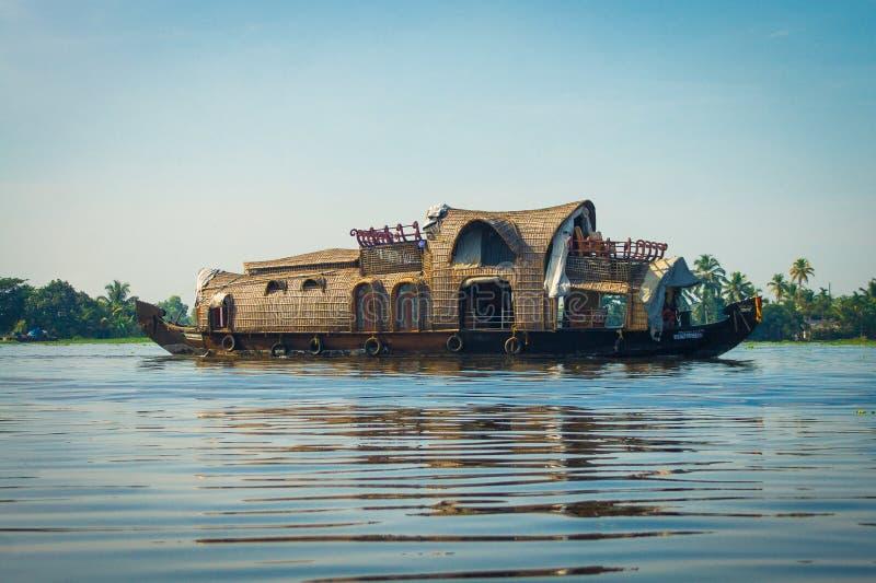 Casa galleggiante del Kerala in India del sud immagini stock libere da diritti