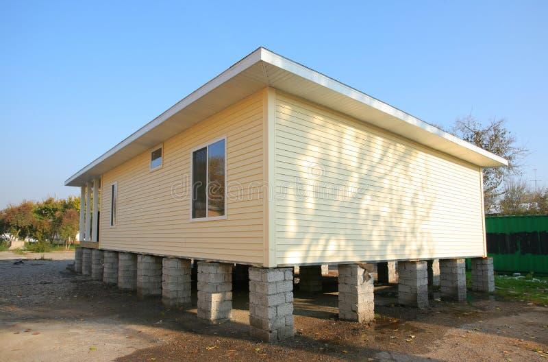 Casa genérica nova fotografia de stock