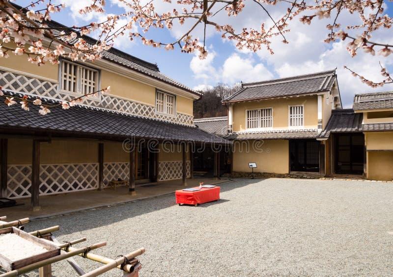 Casa giapponese tradizionale con il giardino interno for Casa giapponese