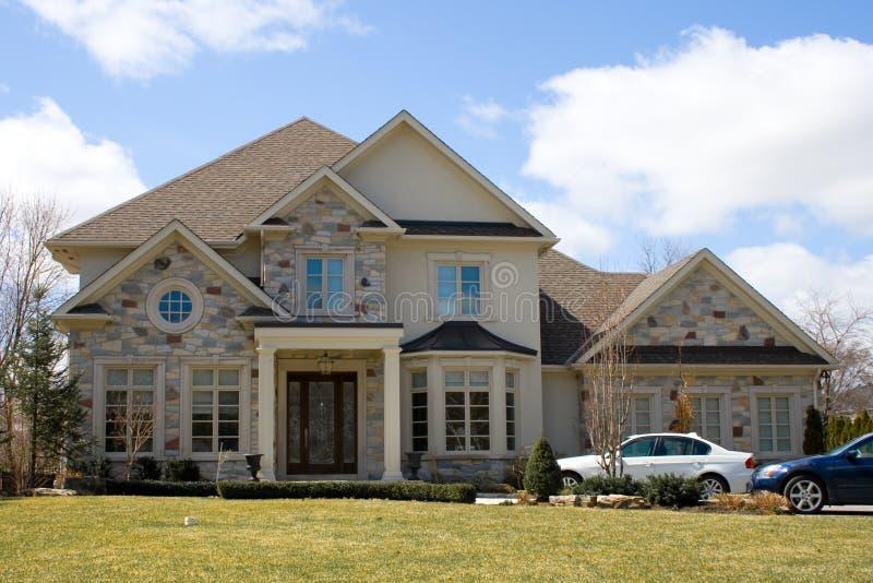 Immagini Case Grigie : Casa grigia fotografia stock immagine di candid case