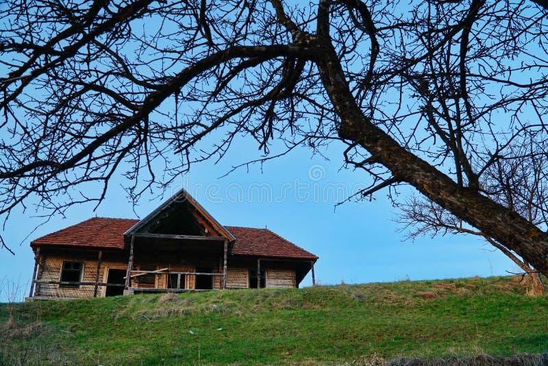 Casa húngara velha abandonada 2 fotografia de stock royalty free