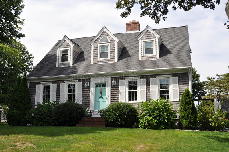 Casa hermosa de Nueva Inglaterra imagen de archivo libre de regalías