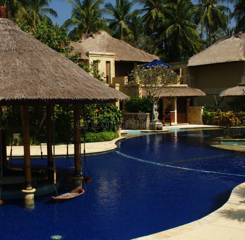 Casa hermosa del poolside imagen de archivo libre de regalías