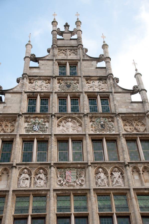 Casa histórica do frontão em Ghent, Bélgica foto de stock royalty free