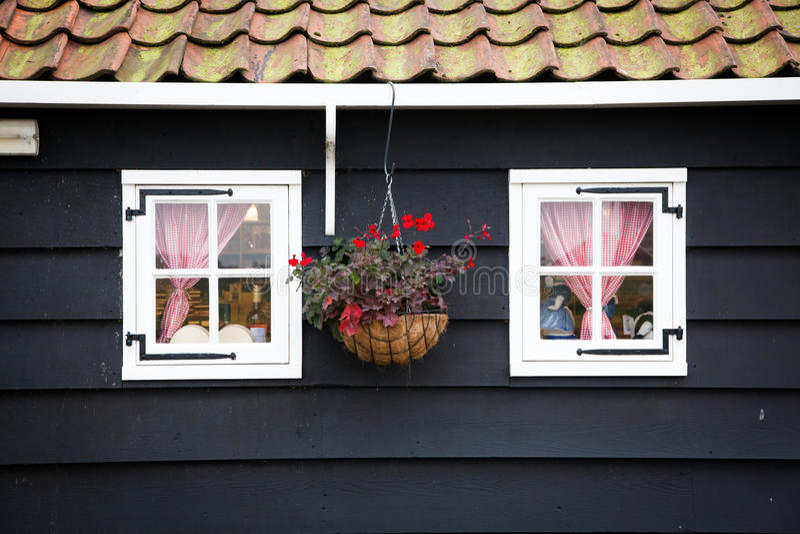 casa holandesa típica em Zaandam imagens de stock royalty free