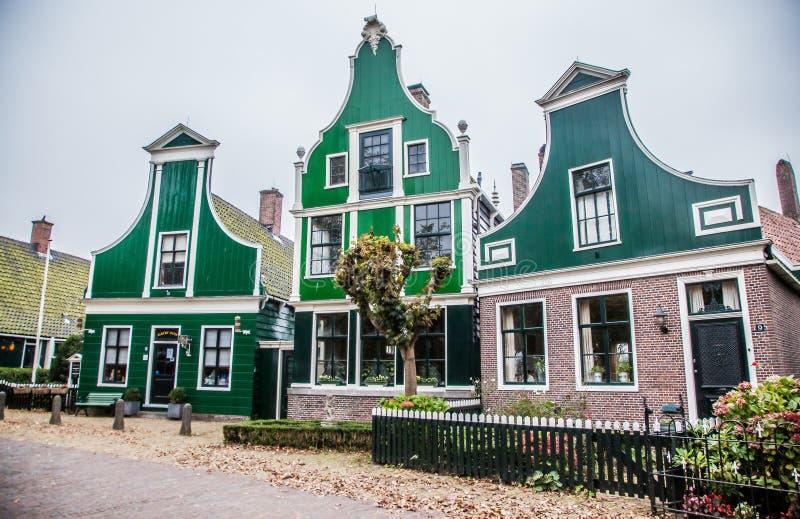 casa holandesa típica em Zaandam imagem de stock royalty free