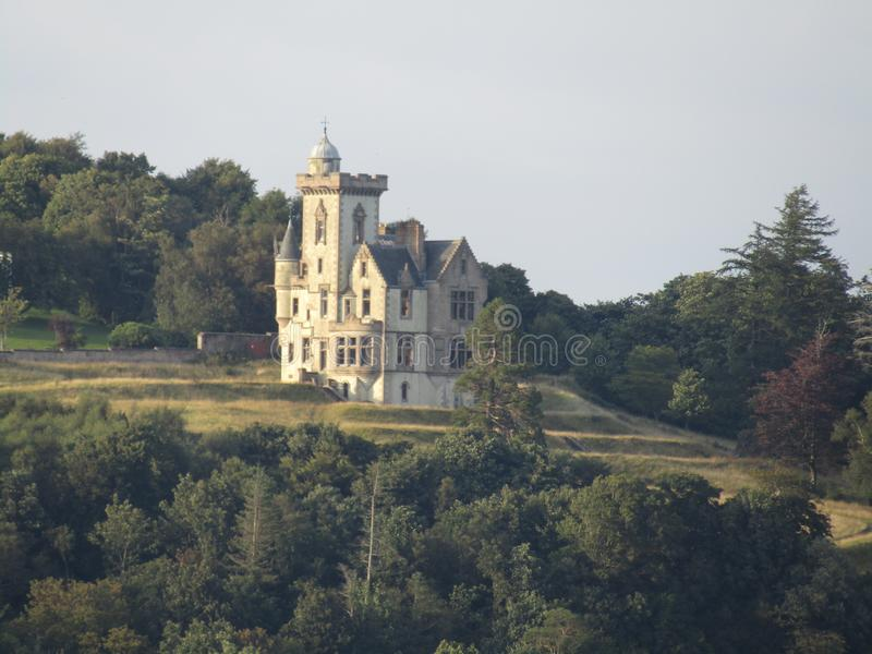 Casa insolita sulla collina in Dunoon immagini stock libere da diritti