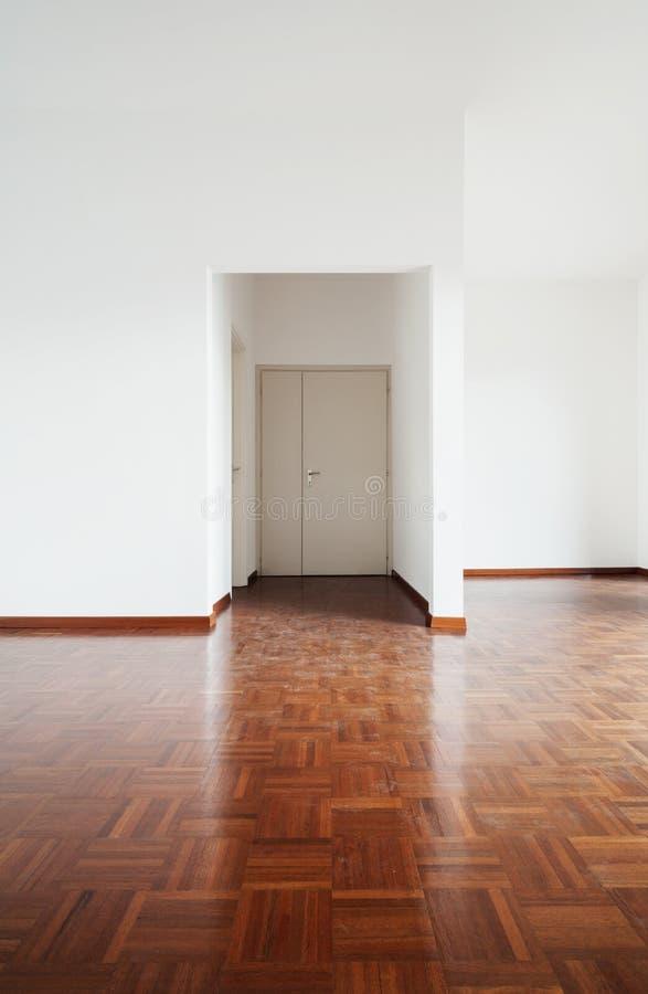 Interior blanco del apartamento imagenes de archivo