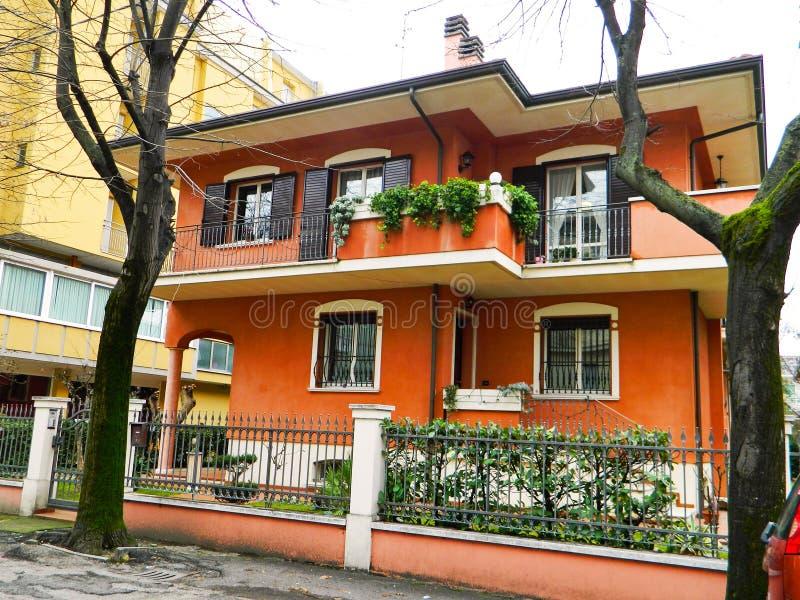 Casa italiana tipica a Rimini, Italia Belle case in Europa immagine stock libera da diritti