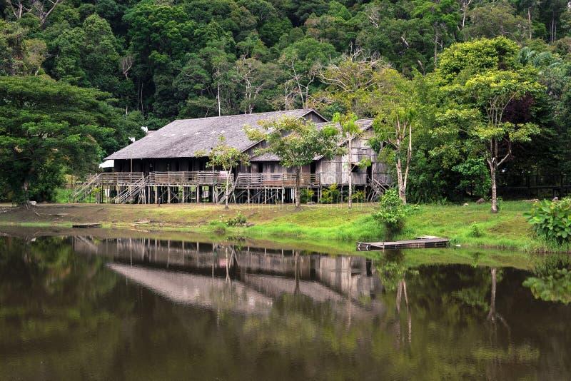 Casa larga en Sarawak imagen de archivo